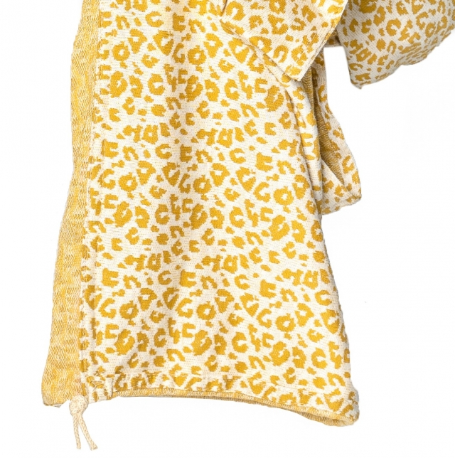 Ringsling Yellow Leopard close up zakje